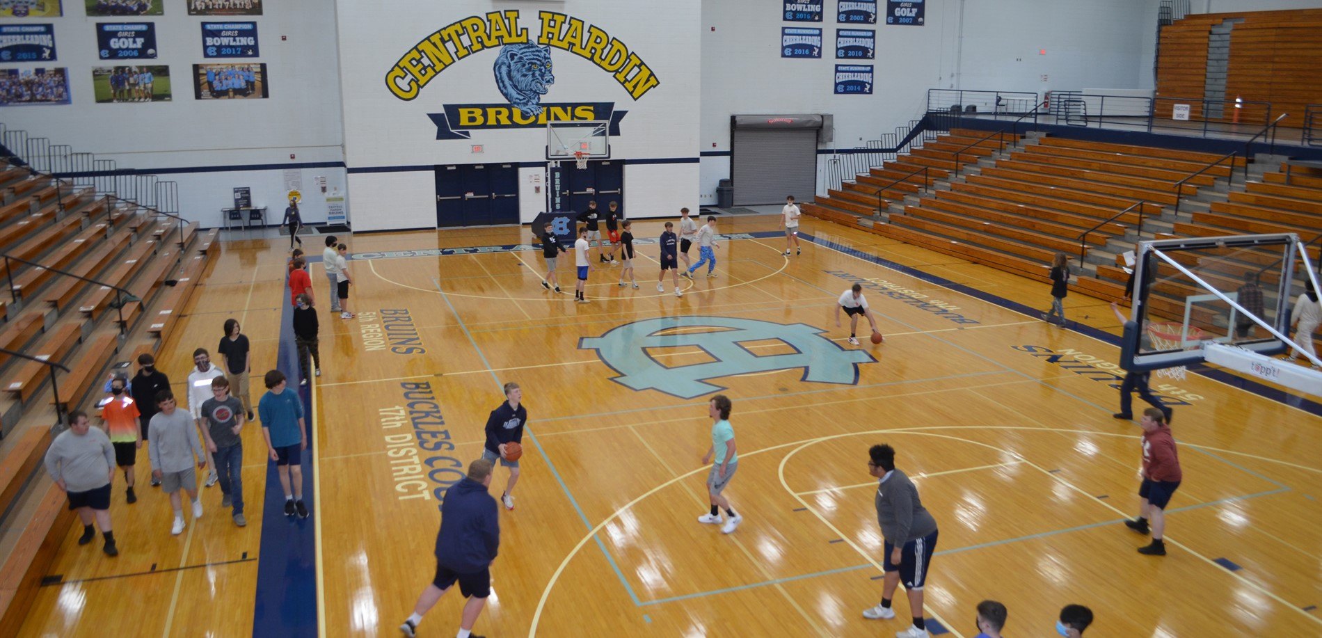 Student participate in PE class at Central Hardin